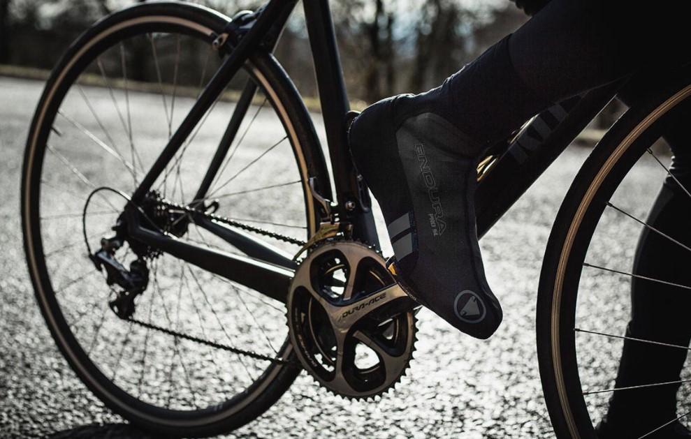 Jakie ochraniacze na rower wybrać i czym się przy tym kierować?